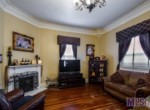 102 Crescent Park living room